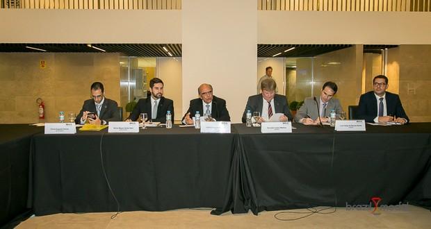 Governo busca diálogo com setor produtivo para facilitar comércio exterior brasileiro