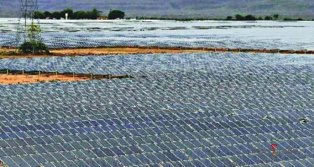 Usina gigante de energia solar começa a operar em Pirapora