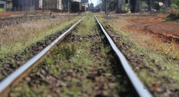Gargalo da ferrovia faz fretes por trem travarem na região