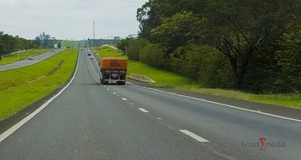 Investimento baixo afeta metade das rodovias até 2025, prevê FDC